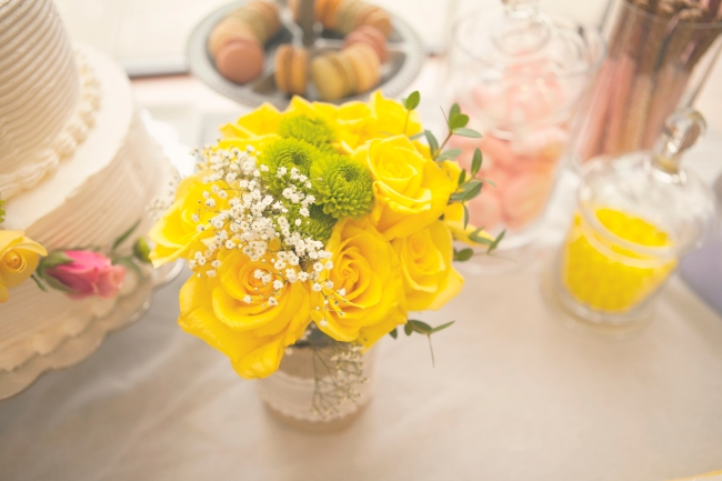 yellow roses and green mums