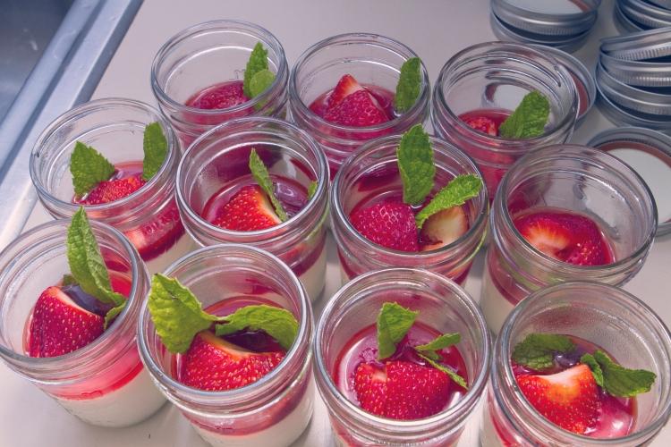 panna cotta with strawberries