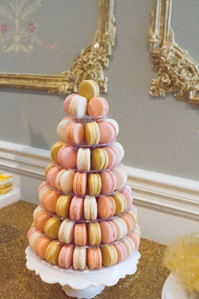 macarons dessert table